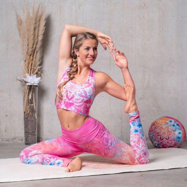 Spirit of Om Yoga Bra und Legging Bravery pink bunt