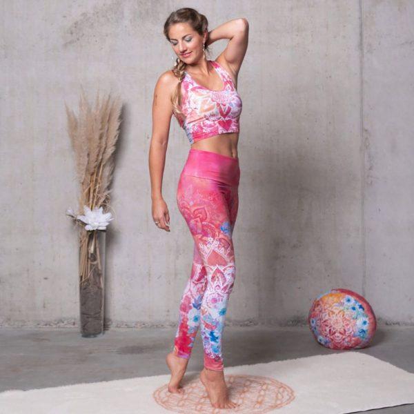 Spirit of Om Yoga Bra und Legging Bravery pink bunt Vorderseite