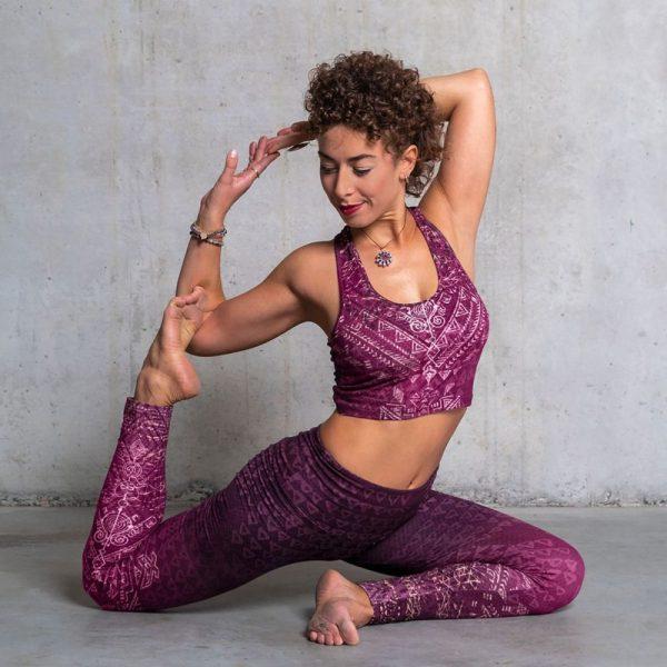 Spirit of Om Yoga Bra und Legging Buddhi aubergine