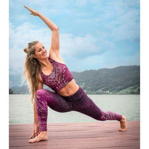 Spirit of Om Yoga Bra aubergine Vorderseite