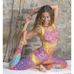 Spirit of OM Yogatop rainbow mit Legging