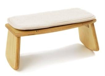 Meditationsbank Holz mit abgerundeten Beinen